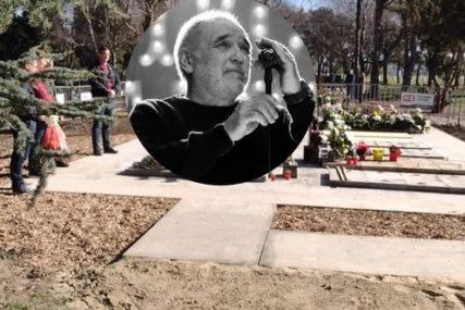 """OPROŠTAJ UZ TAMBURAŠE Đorđe Balašević sahranjen uz pjesmu """"Olivera"""" (VIDEO)"""