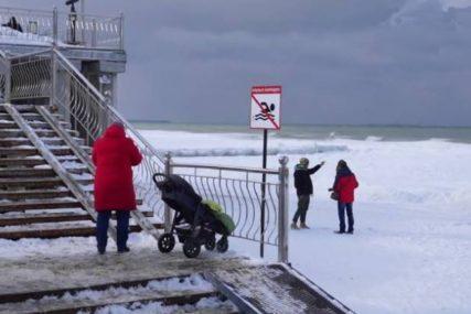 NEOBIČAN PRIZOR Zaledila obala Baltičkog mora u Poljskoj i Rusiji (VIDEO)