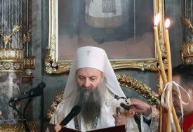 Berane dočekuje patrijarha: Obnovljena najveća trobojka i krst (FOTO)