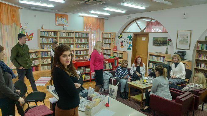 Trebinjska biblioteka poklonila knjige studentima u Foči