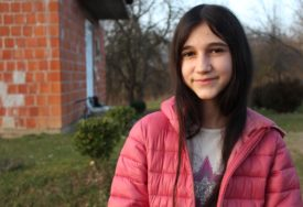 Srpskainfo u kući djevojčice o kojoj svi pričaju: Slava zbog uloge DARE IZ JASENOVCA ni najmanje nije promijenila Biljanu (FOTO)