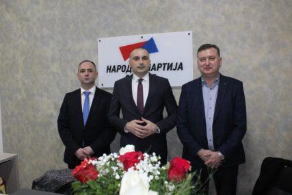 """""""Organizacija je KLJUČ DOBROG REZULTATA"""" Narodna partija Srpske otvorila prostorije u Bijeljini"""