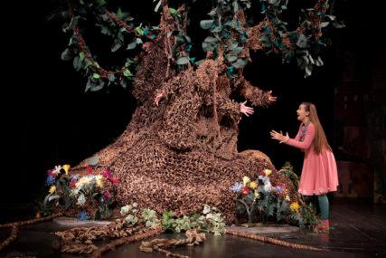 """PREMIJERA PREDSTAVE """"Djevojčica i drvo"""" danas u Dječijem pozorištu RS"""