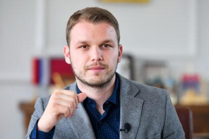 Stanivuković obradovao OVOGODIŠNJE MAME: Za prvo i drugo dijete svaka porodilja dobiće 250 KM, za treće 350