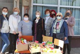 """HUMANI GEST Odbor žena  donacijom obradovao štićenike """"Oniksa"""" (FOTO)"""