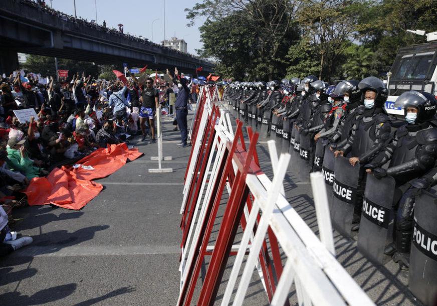 Vojska u Mjanmaru smijenila ambasadora u UN nakon što je tražio pomoć za uklanjanje hunte