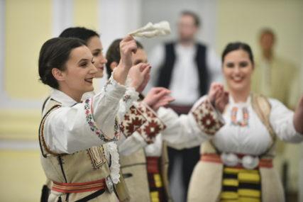 """Okupilo se oko 400 učesnika: Manifestacijom """"Kozara etno festival"""" otvoreni """"Banjalučki etno dani"""""""