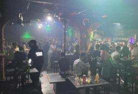 Rasturena još jedna korona žurka: Komunalna policija zatekla 55 gostiju i muziku