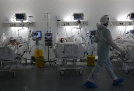 Dvoje djece i trudnica u čačanskoj bolnici: Troje zaraženih koronom na respiratoru