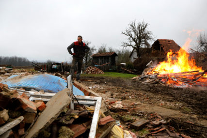 Vrijedni članovi Crvenog krsta u Crnoj Gori: Prikupljeno 56.000 evra pomoći za stanovnike pogođene zemljotresom