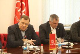 """Dodik razgovarao s proizvođačima """"Unapređenje poljoprivrede u vrhu interesa Vlade RS i SNSD"""""""