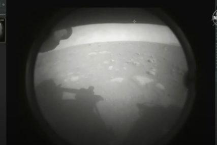 ROVER SLETIO NA MARS Mještani Jezera, mjesta u Srpskoj po kojem je nazvan krater, uživo pratili misiju NASA (VIDEO)