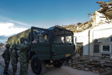 POMOĆ UGROŽENIMA Slovenci donirali devet kamiona drvne građe Petrinji