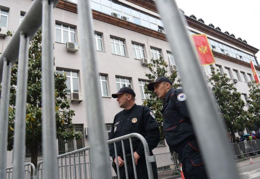 Zloupotreba službenog položaja: Uhapšeno osam policajaca i troje građana