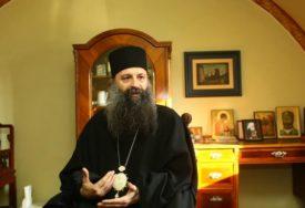 POSJETIO ZEMLJOTRESOM RAZORENA PODRUČJA Patrijarh Porfirije: Biću prisutan na Baniji ne samo molitvom nego i fizički