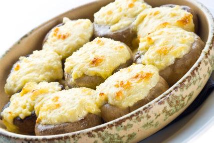 PROSTO NEODOLJIVE Pečurke punjene sirom i pavlakom