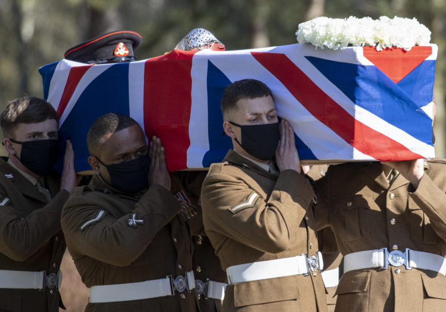 Britanija se oprostila od kapetana Toma: Sahranjen veteran koji je prikupio MILIONE FUNTI tokom pandemije