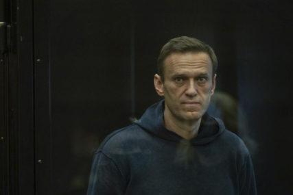 KAZNA PREINAČENA Aleksej Navaljni osuđen na tri godine i šest mjeseci zatvora