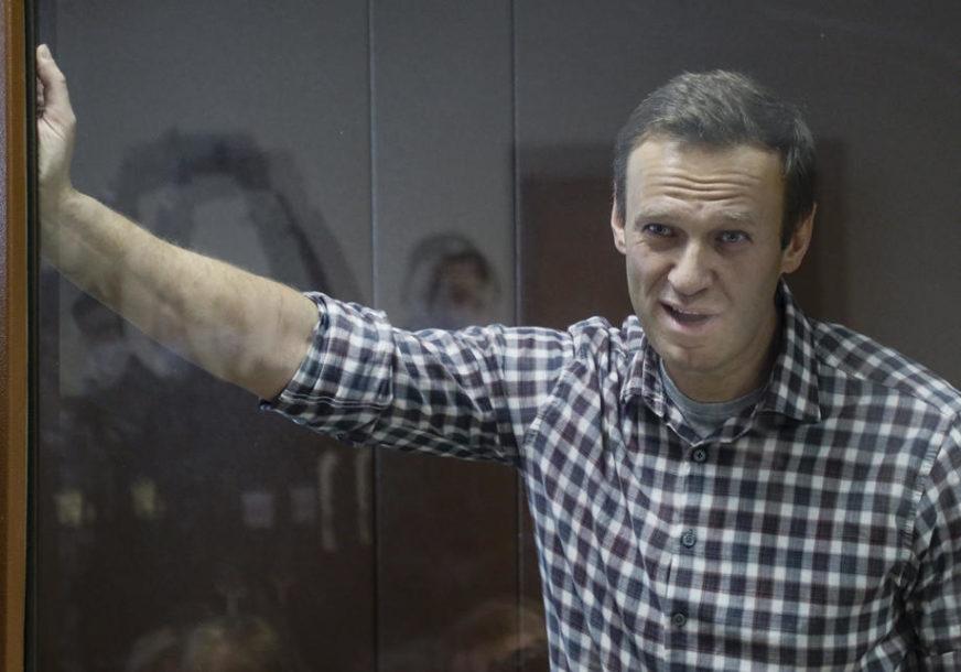 DVIJE I PO GODINE ZATVORA Navaljni stigao u kaznenu koloniju u Pokrovu
