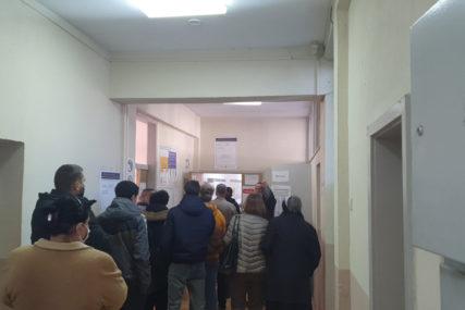 Stranački posmatrač završio na psihijatriji: Izbori u Doboju i Srebrenici bez većih incidenata