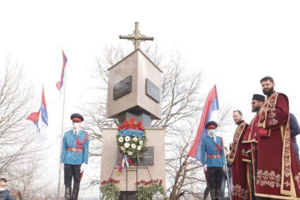 SLUŽEN POMEN U DRAKULIĆU Položeni vijenci za više od 2.300 ubijenih Srba