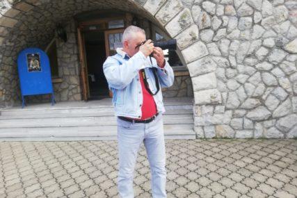 HUMANITARNA POSTAVKA Ugljevički fotograf pomaže bolnici u Foči