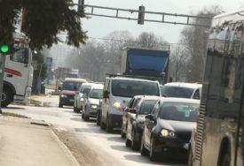 Koristan savjet za vozače: Ova greška prilikom mijenjanja brzine dovodi do ozbiljnog kvara