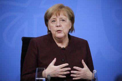 Merkel o vakcinaciji: Naručićemo Sputnjik V ako ga EMA odobri