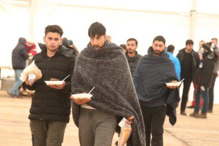Na zahtjev gradonačelnika: Grad Beč poslaće tri tone humanitarne pomoći za migrante u Bihaću