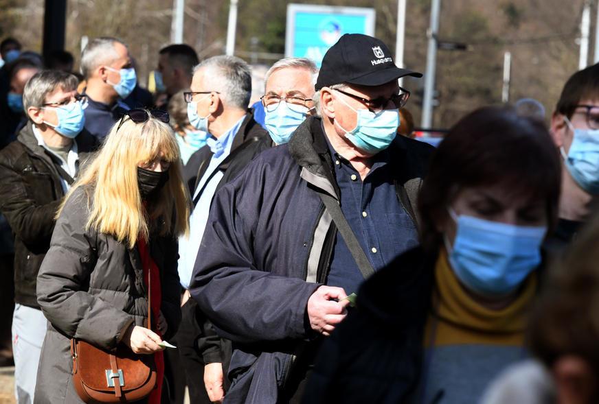 Do sada preminulo više od dva miliona ljudi: Broj slučajeva korona virusa u svijetu premašio 115 miliona