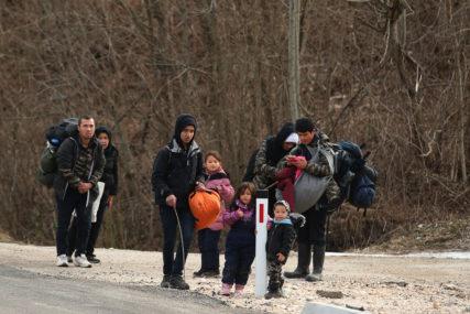 """SMJEŠTENI U KAMP """"LIPA"""" U rubnim selima oko Grahova pronađeno 138 migranata"""