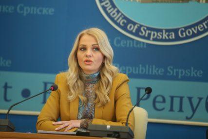 ZA NASTAVU BEZ OGRANIČENJA Trivić: U četvrtak počinje vakcinacija radnika u prosvjeti i kulturi