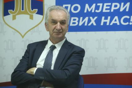 """""""Vakcine važnije od crtanja granica"""" Šarović pozvao vlast da se okrene problemima građana"""