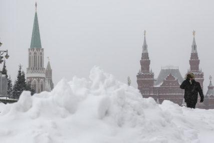 MOSKVA POD BIJELIM POKRIVAČEM Visina snijega mogla bi da obori rekord iz 1956. godine