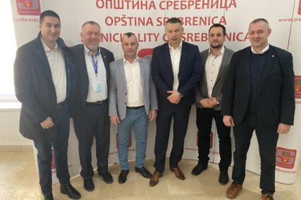 """""""Promjene bez DNS NISU MOGUĆE"""" Nešić pružio podršku Grujičiću"""