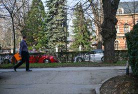 """UREĐENJE GRADA Počinje uklanjanje građevinskog otpada sa lokacije bivšeg kina """"Kozara"""" (FOTO)"""