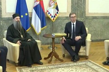 """Vučić nakon sastanka sa patrijarhom Porfirijem """"Ako crkva i država ne sarađuju SRBIJA JE LAKA META"""""""