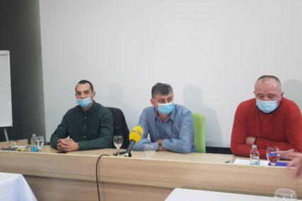 """""""Prestati sa pokušajima KUPOVINE ODBORNIKA"""" Đurić upozorio načelnika Dervente da mu slijedi opoziv"""