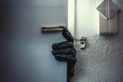 POTRAGA ZA LOPOVIMA Opljačkana dva stana u Derventi