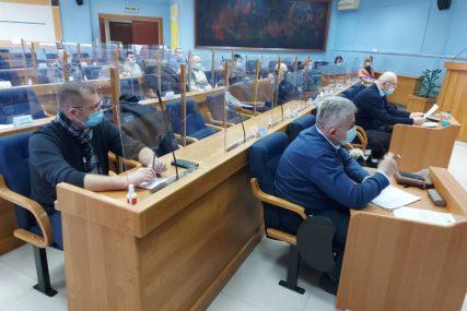 BORBA S KORONOM Prijedorskim zdravstvenim ustanovama 900 testova i lična zaštitna oprema