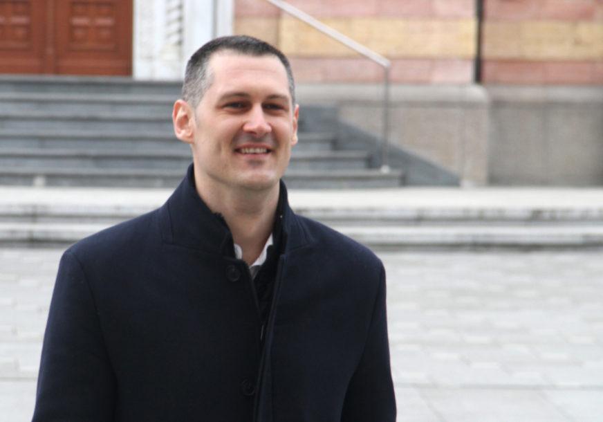"""""""Malo obrazovanja mu daje puno samopouzdanja"""" Stanić  nazvao Stanivukovića neznalicom (VIDEO)"""