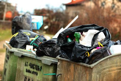 BANJALUKA U BLOKADI Odvoz smeća iz domaćinstava se nastavlja, nema pranja ulica i uređenja zelenila