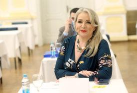 NAKON KAZNE OD 1.000KM Kutlešić Stević poručila: Poštujem izolaciju, zato sam i otišla na vikendicu da ne ugrozim članove porodice