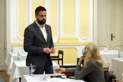 """""""OVO NIJE NIKAKAV PLIJEN"""" Amidžić odustao od mjesta predsjednika Komisije za finansije"""