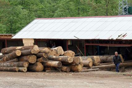 MANJA PROIZVODNJA, VEĆA PRODAJA Trupci najzastupljeniji drvni sortiment