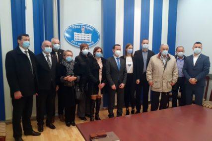PRIZNANJE ZA NAJBOLJE Sedam prosvjetnih radnika dobilo Svetosavsku nagradu