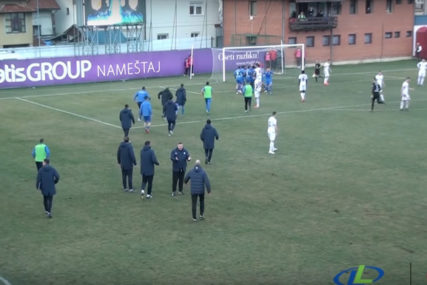 HAOS U SUPERLIGI Tuča igrača na meču Javor - Novi Pazar (VIDEO)