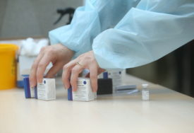 """Istraživanja jasno pokazuju """"Vakcinisani imaju tri puta manji rizik od zaraze"""""""