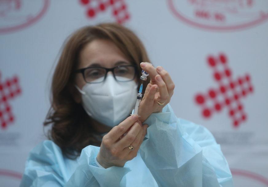 Kovaks u ćorsokaku: Vakcina nema, vlast ODBACUJE ODGOVORNOST