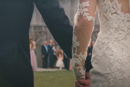 DRAMA NA VJENČANJU Majka ženila sina, a kada je ugledala biljeg na ruci nevjeste doživjela je šok (FOTO)